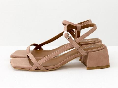 Дизайнерские бежевые босоножки на каблуке из натуральной итальянской замши, С-2141-02