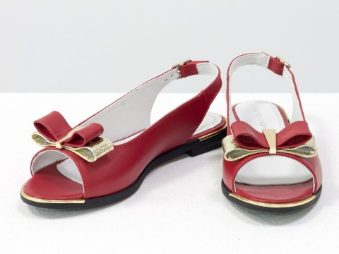 Офисные босоножки на низком ходу из натуральной кожи красногочерного цвета