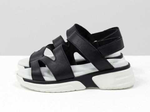 Босоножки на липучках, из натуральной кожи черного цвета, на удобной легкой подошве бело-черного цвета, С-2040-01