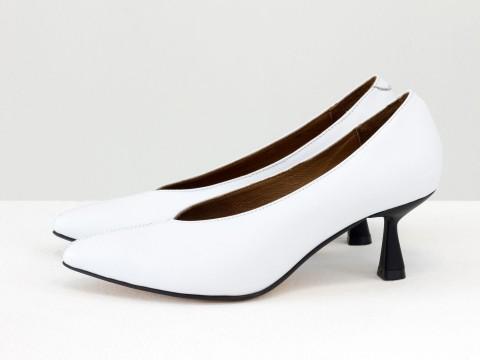 """Дизайнерские туфли-перчатки на невысоком каблуке """"рюмочка"""" из натуральной итальянской кожи белого цвета, Т-2050-27"""