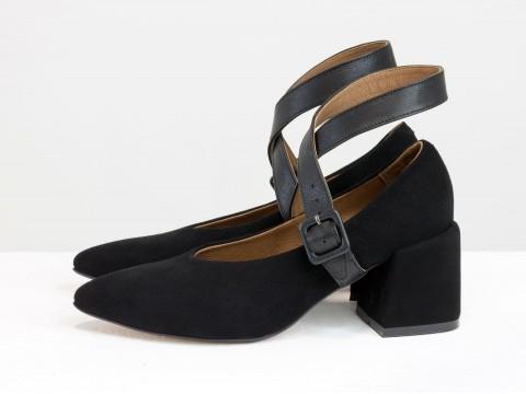 Дизайнерские на невысоком обтяжном каблуке из натуральной итальянской замши черного цвета с черной застежкой из натуральной кожи ,Т-2152-01