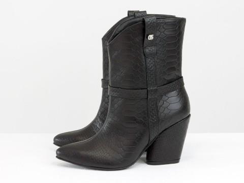 Черные сапоги казаки из натуральной кожи питон на каблуке, Б-2149-03