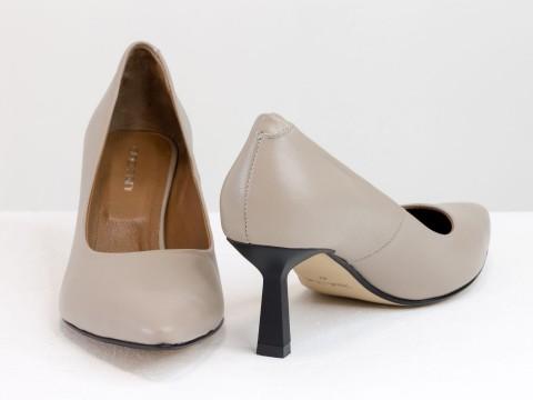 """Дизайнерские туфли-лодочки на каблуке """"рюмочка"""" из натуральной итальянской кожи с цепочкой,  Т-2116-03"""
