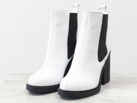 Белые женские ботинки из натуральной кожи на каблуке