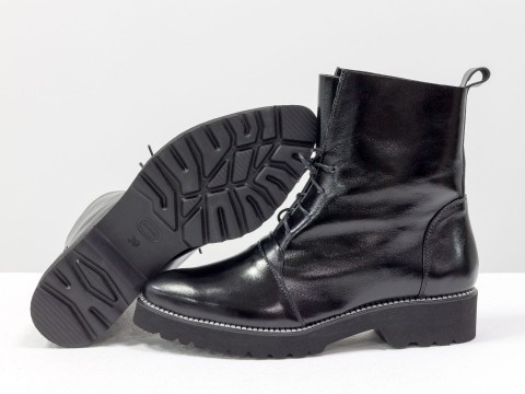 Женские лакированые ботинки на шнуровке из кожи черного цвета ,Б-17331-11