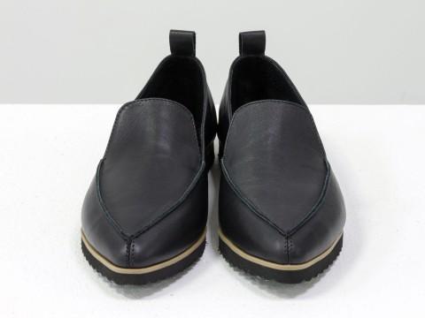 Черные туфли на низком ходу из натуральной кожи на низком ходу