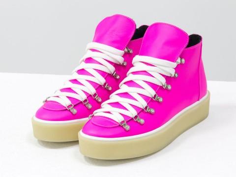 Женские спортивные ботинки розового неонового из кожи