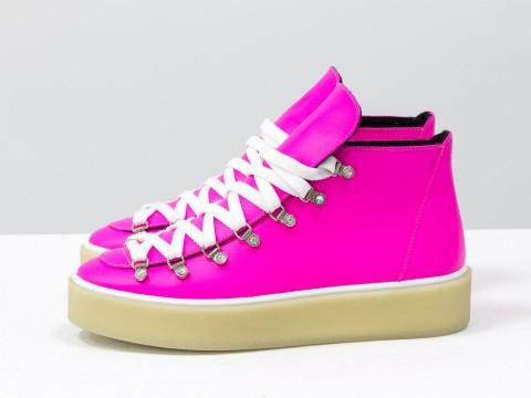 Женские спортивные ботинки розового неонового из кожи, Б-17406-12