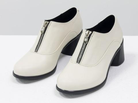 Женские закрытые туфли на каблуке из натуральной кожи цвета лотос