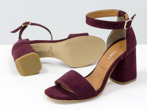 Классические бордовые босоножки из натуральной кожи на расклешенном каблуке