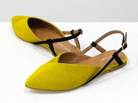 Женские туфли с открытой пяткой из велюра цвета мимоза