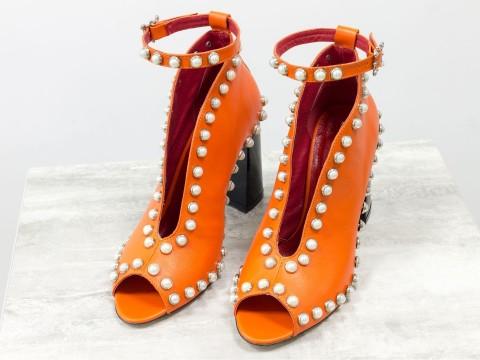 Туфли с открытым носком из натуральной кожи оранжевого цвета на высоком каблуке