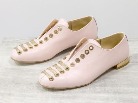 Женские дизайнерские туфли из кожи розового цвета на шнуровке по всей высоте