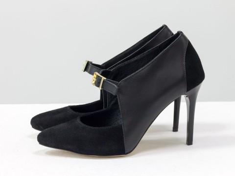 Туфли на шпильке из натуральной черной кожи и замши