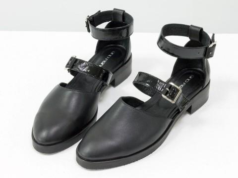 Черные туфли из натуральной кожи с ремешками