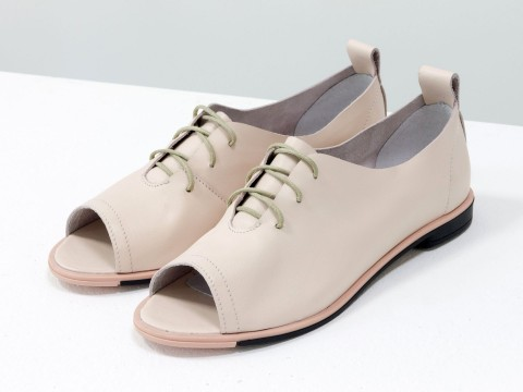 Туфли с открытым носком и шнуровкой из натуральной кожи розового цвета на низком ходу
