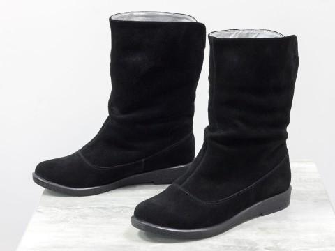 Комфортные ботинки черного цвета из натуральной замши