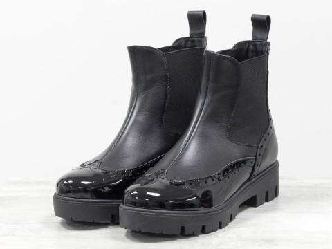 Ботинки челси с лаковым носком из кожи черного цвета с резинкой