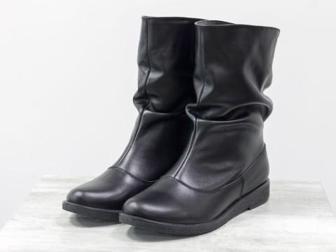 Удобные ботинки из натуральной замши черного цвета