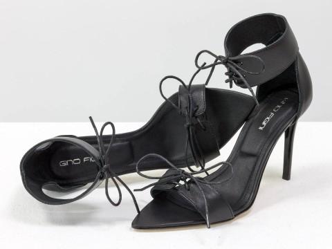 Черные босоножки со шнуровкой из натуральной кожи на шпильке