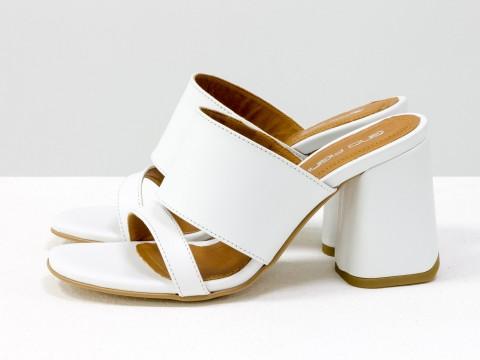 Классические босоножки белого цвета на расклешенном каблуке, С-2016-04