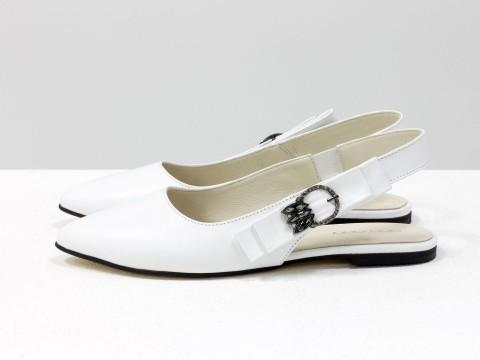 Туфли с открытой пяткой на низком ходу белого цвета, Т-17426-10