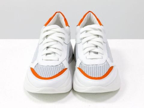 Женские кроссовки из натуральной кожи белого цвета на современной подошве