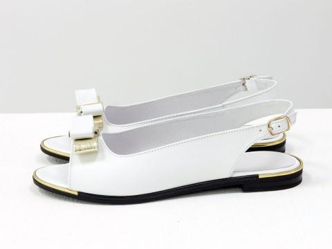 Босоножки с открытым носком из белой кожи на низком ходу, С-104-05