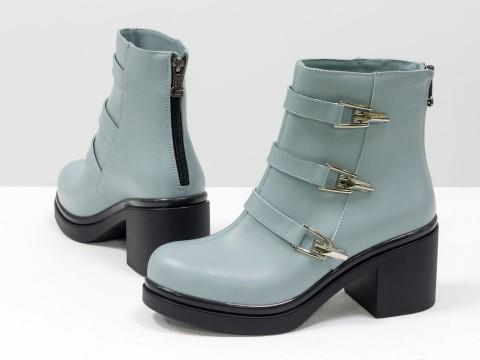 Женские весенние ботинки из натуральной кожи серо-голубого цвета с ремешками