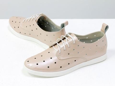 Женские летние туфли с перфорацией на низком ходу из натуральной кожи розового цвета