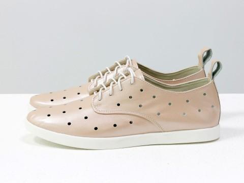 Женские летние туфли с перфорацией из розовой кожи на шнуровке