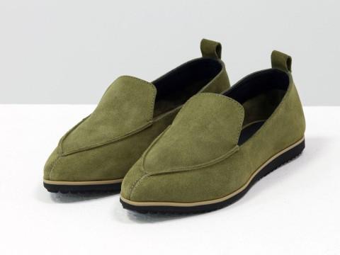 Женские замшевые туфли на низком ходу оливкового цвета