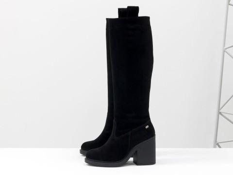 Высокие сапоги свободного одевания из натуральной замши черного на устойчивом каблуке, М-17356-05
