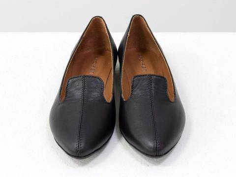 Черные туфли из натуральной кожи на низком ходу