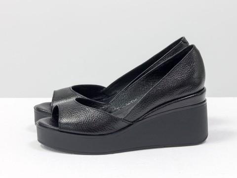 Женские черные туфли из кожи флотар на танкетке, С-1806-04