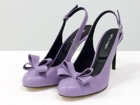 Туфли на шпильке из натуральной кожи лавандового цвета украшены бантом