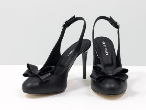 Черные туфли на шпильке с открытой пяткой из натуральной кожи