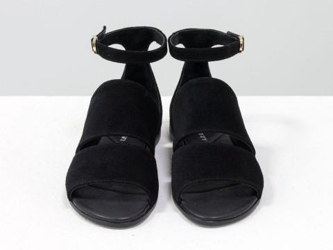 Черные босоножки женские из натуральной замши на низком ходу