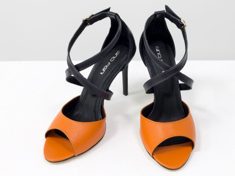 Туфли с открытым носком оранжевые из натуральной кожи на шпильке