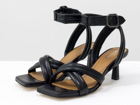 Дизайнерские черные босоножки на  матовом каблуке рюмочка из натуральной итальянской кожи