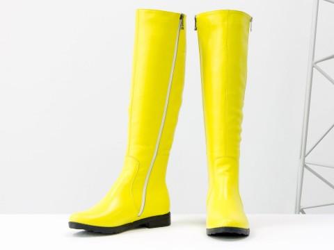 Желтые весенние сапоги из натуральной кожи на низком ходу