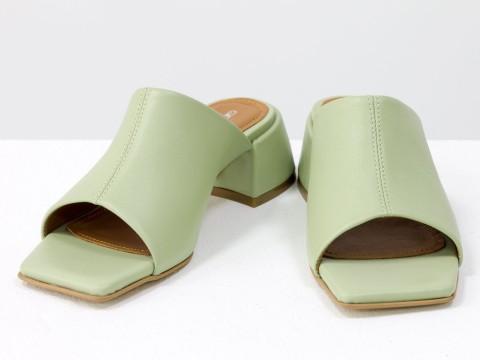 Дизайнерские мятные шлепанцы на устойчивом каблуке из натуральной итальянской кожи
