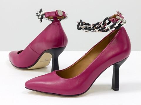 """Дизайнерские туфли-лодочки на невысоком каблуке """"рюмочка"""" из натуральной итальянской кожи с цепочкой,  Т-2115-03"""