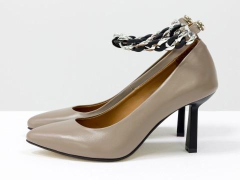 Дизайнерские туфли лодочки на  каблуке из натуральной итальянской кожи темно-бежевого цвета,  Т-2115-02