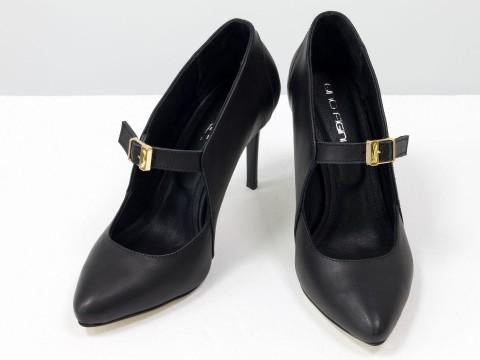 Женские туфли на шпильке из натуральной черной кожи с ремешком