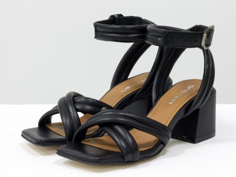 Дизайнерские черные босоножки на  матовом устойчивом каблуке из натуральной итальянской кожи