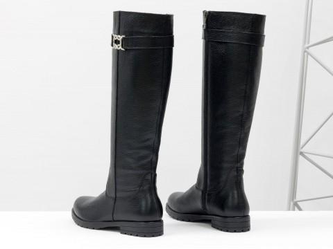 Классические женские сапогииз натуральной кожи флотар черного цвета на маленьком каблуке