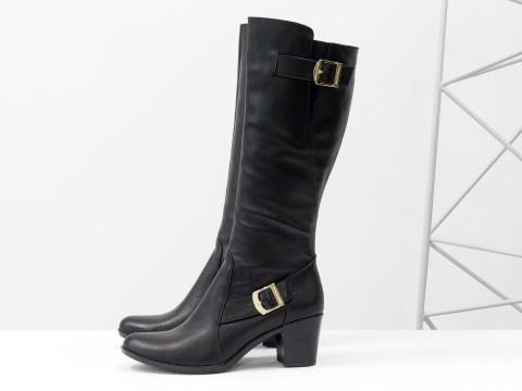 Сапоги черного цвета из натуральной кожи на каблуке, Коллекция Осень-Зима, М-67-01