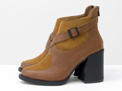Женские классические ботинки  рыжего цвета из натуральной кожи с замшей на устойчивом каблуке, Б-2099-04