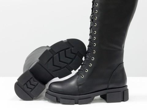 Высокие сапоги-чулки из натуральной гладкой кожи на шнуровке